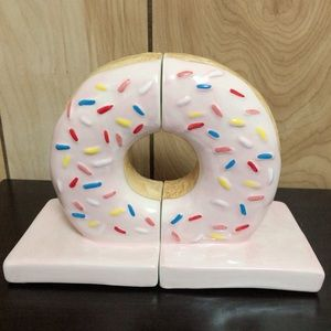 Donut Bookends